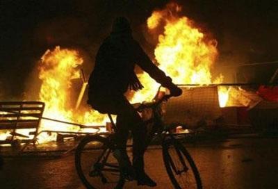 Chùm ảnh: Bạo động tiếp tục lan rộng ở Hy Lạp - 14