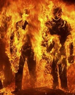 Chùm ảnh: Bạo động tiếp tục lan rộng ở Hy Lạp - 3
