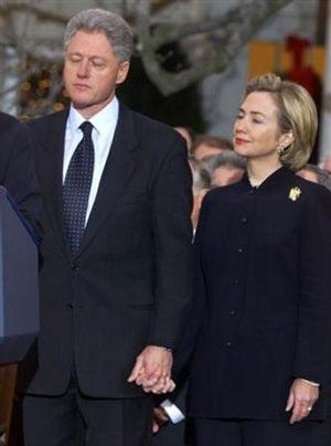 Nhìn lại vụ bê bối tình ái Lewinsky của Tổng thống Clinton (1) - 11