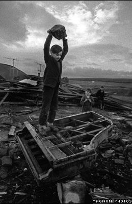 Phóng viên ảnh về chiến tranh Việt Nam: Cuộc đời qua lăng kính - 2