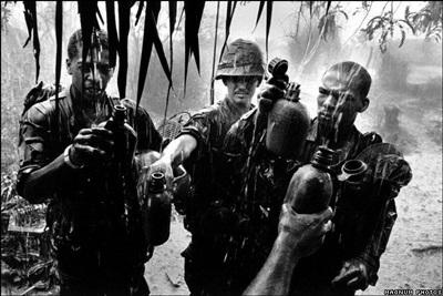 Phóng viên ảnh về chiến tranh Việt Nam: Cuộc đời qua lăng kính - 5