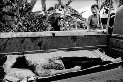 Phóng viên ảnh về chiến tranh Việt Nam: Cuộc đời qua lăng kính - 7