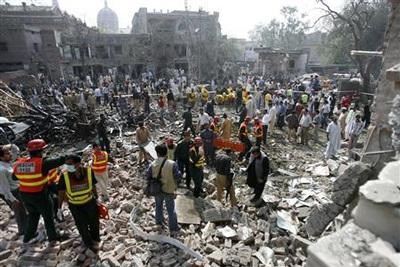 Pakistan: ít nhất 20 người thiệt mạng trong hai vụ nổ liên tiếp - 1