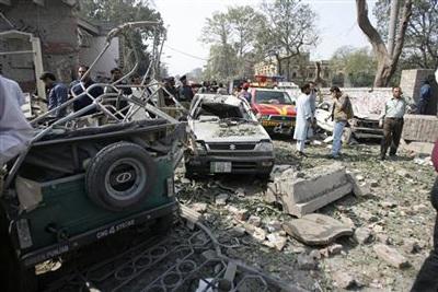 Pakistan: ít nhất 20 người thiệt mạng trong hai vụ nổ liên tiếp - 10