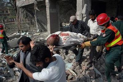 Pakistan: ít nhất 20 người thiệt mạng trong hai vụ nổ liên tiếp - 4