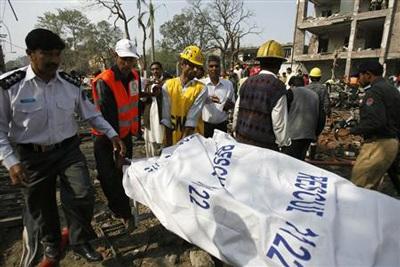 Pakistan: ít nhất 20 người thiệt mạng trong hai vụ nổ liên tiếp - 6