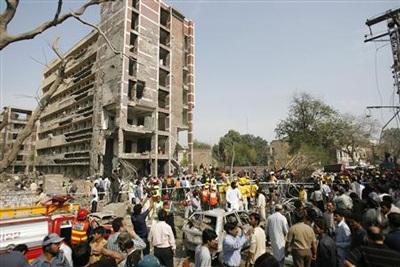 Pakistan: ít nhất 20 người thiệt mạng trong hai vụ nổ liên tiếp - 7