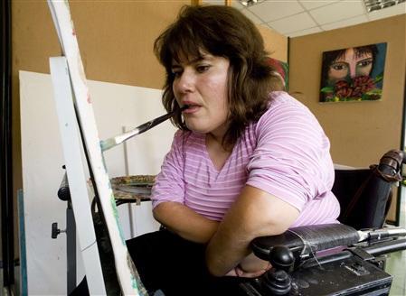 Mojsovska - Nữ hoạ sỹ vẽ bằng miệng - 2