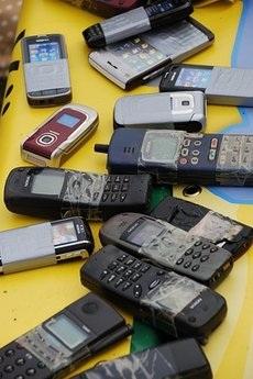 """Hình ảnh vui từ cuộc thi """"Vô địch ném điện thoại di động thế giới"""" - 1"""