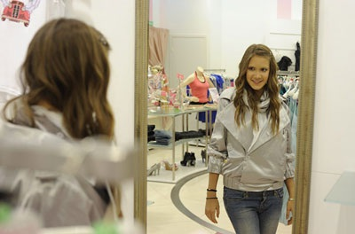 16 tuổi đã trở thành nhà thiết kế thời trang nổi tiếng toàn cầu - 9