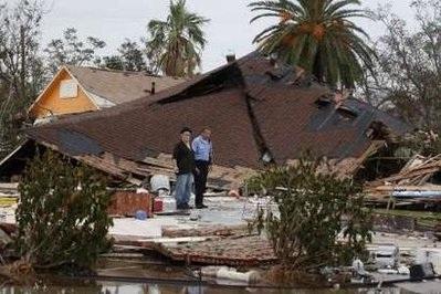 Bão Ike gây thiệt hại khủng khiếp ở Texas, Mỹ - 1
