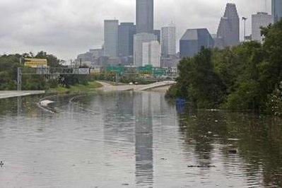 Bão Ike gây thiệt hại khủng khiếp ở Texas, Mỹ - 6