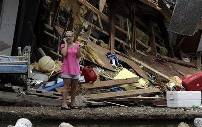 Bão Ike gây thiệt hại khủng khiếp ở Texas, Mỹ - 11