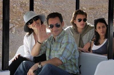Con trai của Tổng thống Pháp Sarkozy kết hôn - 7