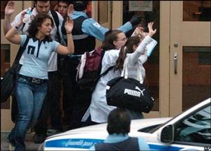 Chùm ảnh vụ bắn giết sinh viên tại trường học Canada - 2
