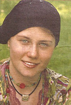 Natascha Kampusch sau 8 năm bị bắt cóc - 9