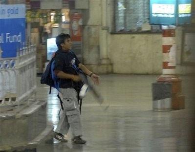 Vụ tấn công khủng bố Mumbai được chỉ huy qua điện thoại - 2