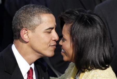 Chùm ảnh: Dấu ấn những nụ hôn - 17
