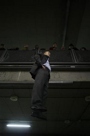 Chùm ảnh: Người bay ở nhà ga Madrid - 5