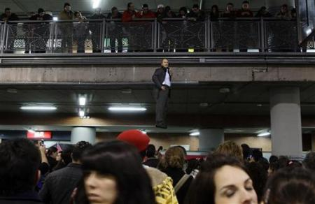 Chùm ảnh: Người bay ở nhà ga Madrid - 2