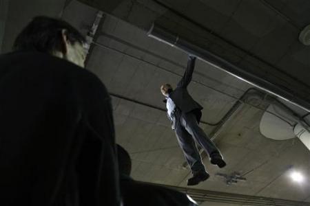 Chùm ảnh: Người bay ở nhà ga Madrid - 1