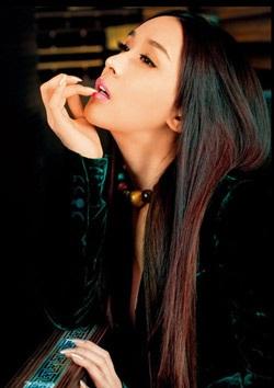 Nữ ca sỹ chuyển đổi giới tính của Hàn lấy chồng - 3