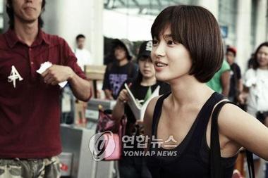 Song Hye Kyo được khen ngợi hết lời - 7