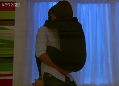 """Song Hye Kyo quay cảnh """"nóng"""" với Hyun Bin - 9"""