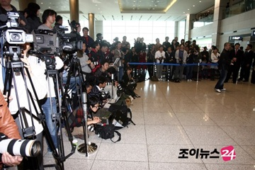Hai kiều nữ Hollywood tụ họp tại Hàn Quốc - 3