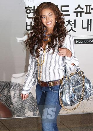 Hai kiều nữ Hollywood tụ họp tại Hàn Quốc - 1