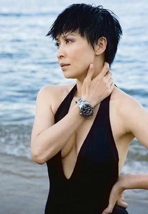 Lưu Gia Linh: 42 tuổi vẫn tự tin mặc áo tắm! - 2