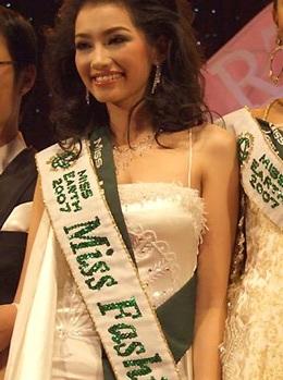 Trúc Diễm đoạt giải Người đẹp thời trang - 2