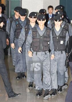 Hai kiều nữ Hollywood tụ họp tại Hàn Quốc - 10