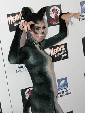 """Thời trang của """"sao"""" trong đêm Halloween - 4"""