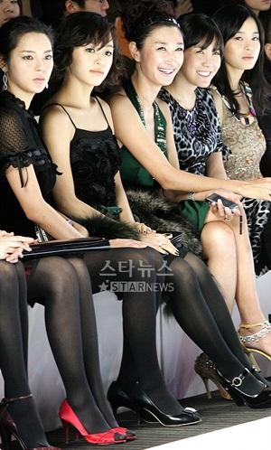 Người đẹp xứ Hàn khoe sắc trong ngày hội Blumarine - 18