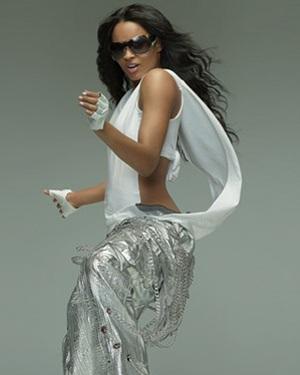 """""""Công chúa R&B"""" Ciara nóng bỏng trong video clip mới - 3"""