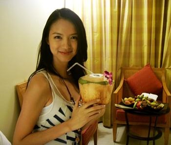 Hoa hậu thế giới 2007 thích là người bình thường - 3