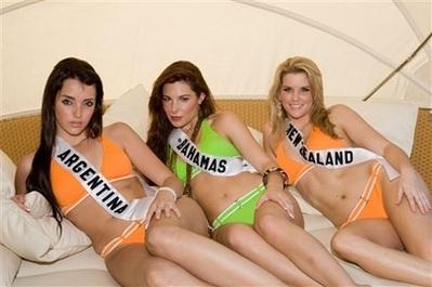 """Mỹ nhân sẵn sàng cho phần thi bikini """"nóng bỏng"""" - 4"""
