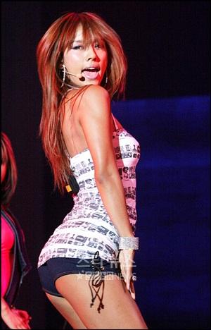 Lee Hyori bốc lửa khuấy động đêm trình diễn B-boys - 5
