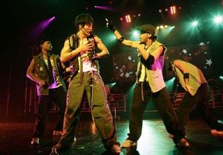 """Show diễn """"Heroes Of Tokyo"""" của Vương Lực Hoành - 1"""