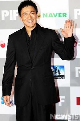 "Top 5 ""sao"" rủng rỉnh nhất showbiz Hong Kong - 2"