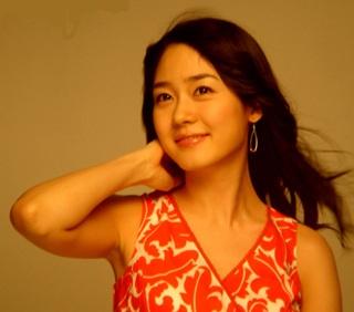 """""""Búp bê"""" Sung Yu Ri - 2"""