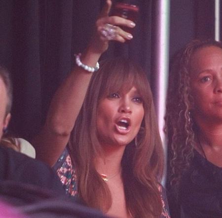 """Jennifer Lopez trở thành fan cuồng của """"ông xã"""" - 2"""