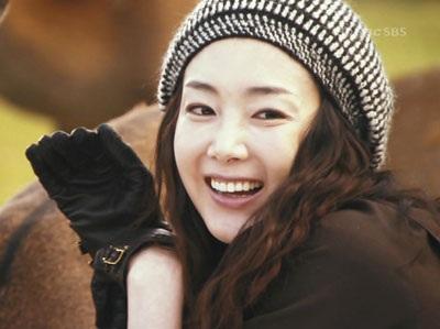 Choi Ji Woo diện váy cưới trong phim mới - 14