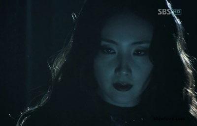 Choi Ji Woo diện váy cưới trong phim mới - 18