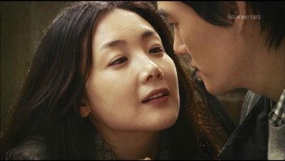 Choi Ji Woo diện váy cưới trong phim mới - 4