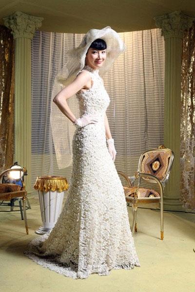 Choi Ji Woo diện váy cưới trong phim mới - 2
