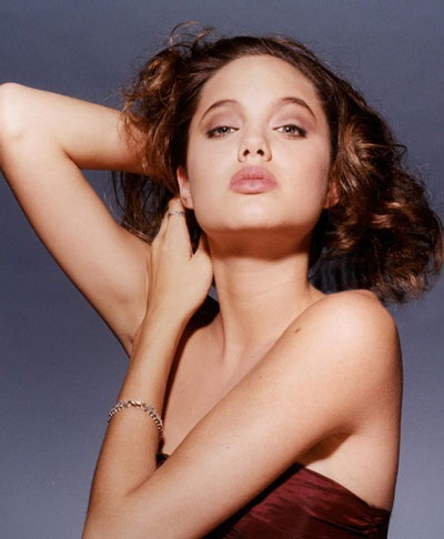 Angelina Jolie luôn cuốn hút và gợi cảm - 1