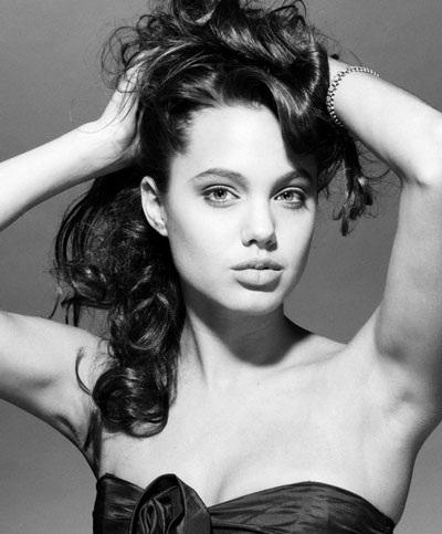 Angelina Jolie luôn cuốn hút và gợi cảm - 4
