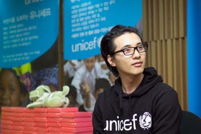 Won Bin đón Giáng Sinh bằng hoạt động từ thiện - 5